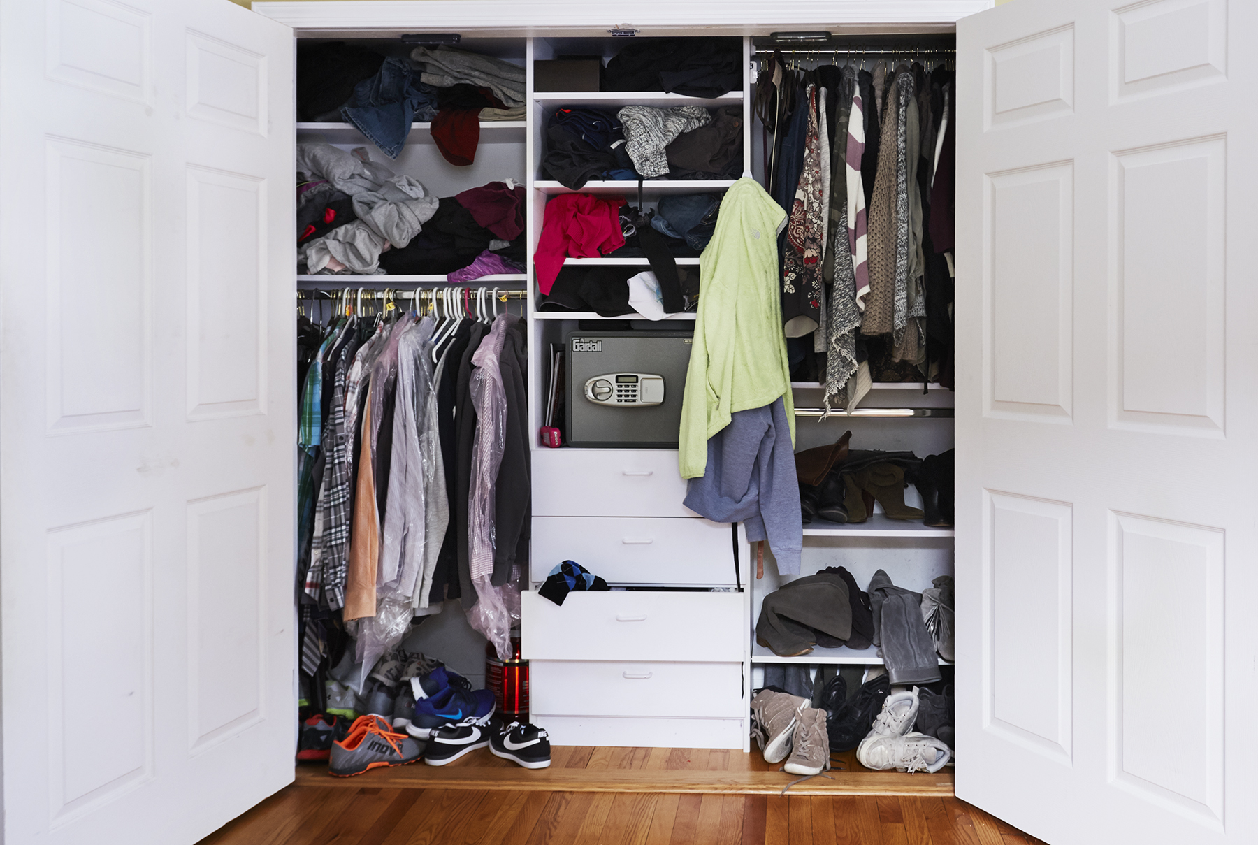 Take A Look At One Mom S Amazing Closet Makeover