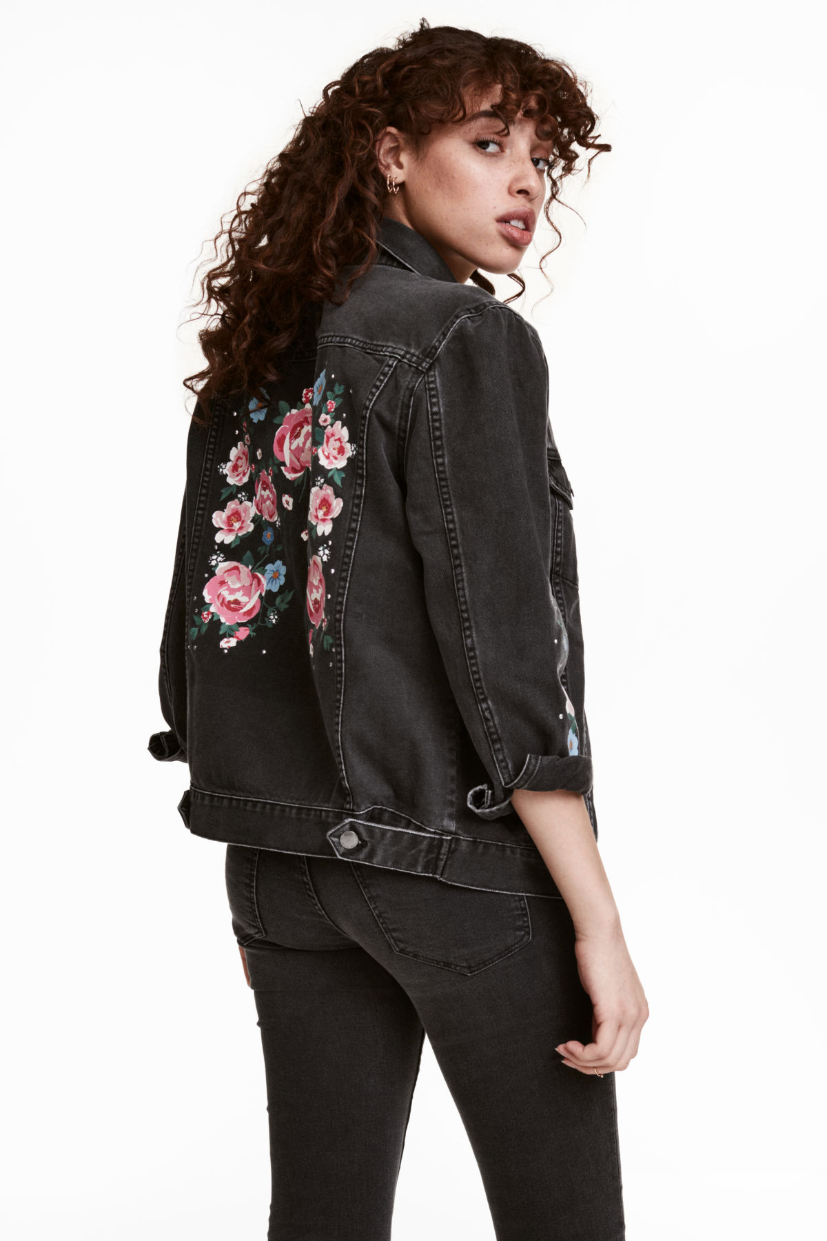 7 Stylish Denim Jackets to Wear With Any Outfit