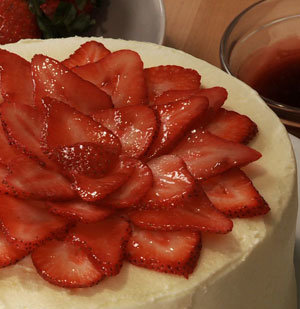 How To: Decorate a Cake With Strawberries