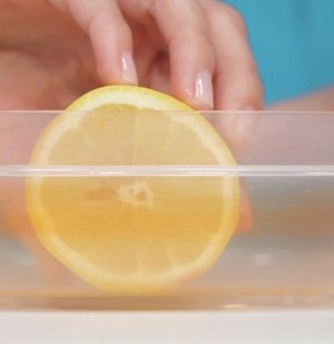 How to Use a Lemon to Clean Stained Food Containers
