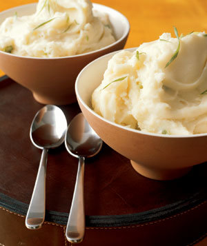 Mashed Sour Cream and Scallion Potatoes Recipe | Real Simple