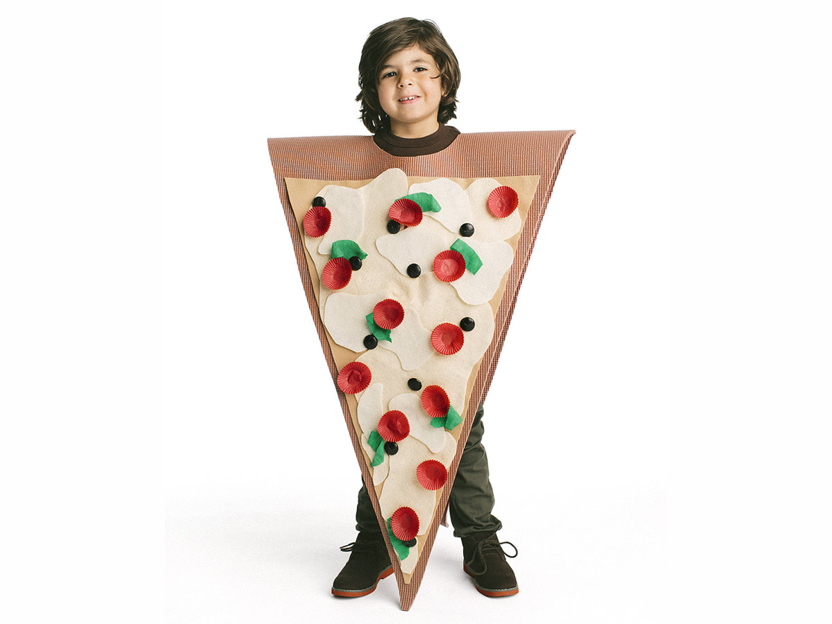 56512f580092 18 Cool Halloween Costumes You Can Make Using Stuff Around the House