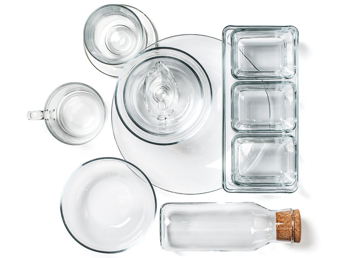 Various kitchen glassware