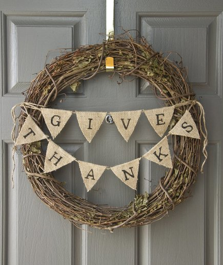 Thanksgiving wreath with burlap bunting