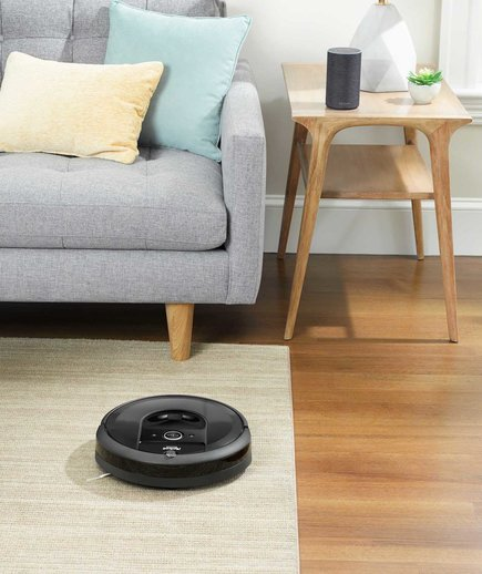 iRobot Roomba i7+ in Living Room