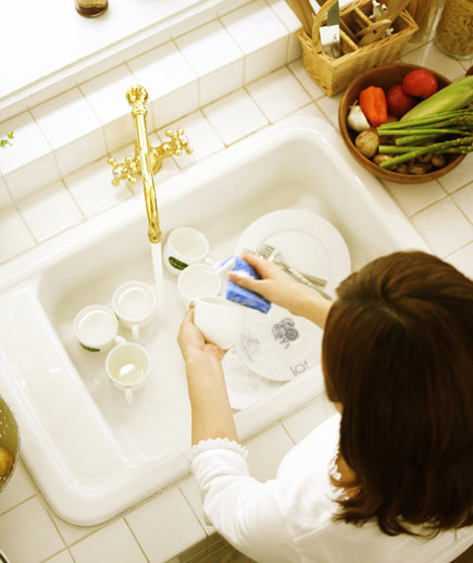 How to Turn Washing Dishes into Stress Reilef