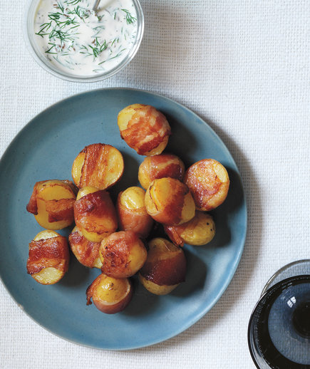 Bacon-Wrapped Potatoes With Creamy Dill Sauce