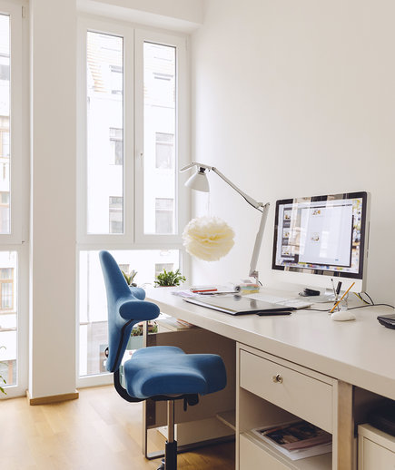 home-office-blue-chair