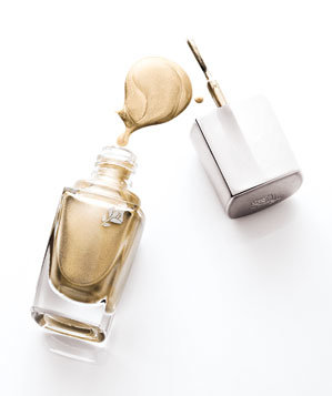 Lancome Le Vernis in Golden Audacity nail polish