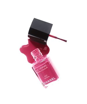 Chanel limited-edition nail color