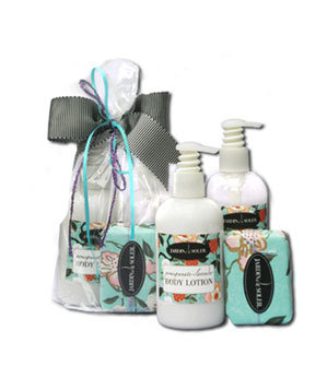 The Lavender Pomegranate Gift Set