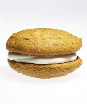 Pumpkin Whoopie Pies (Halloween Pumpkin Cookies)