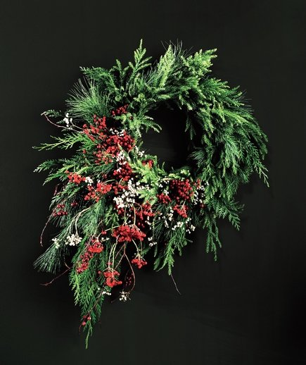 berry-cascade-wreath