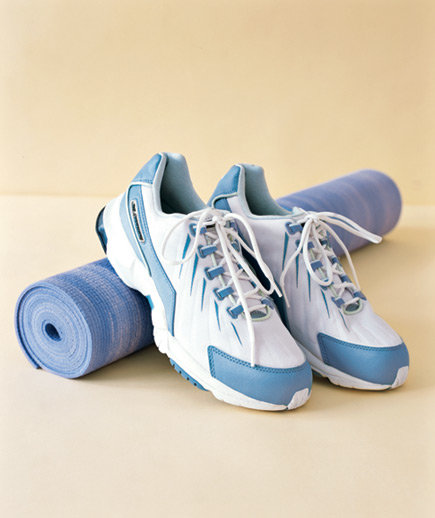 0508sneakers-yoga-mat