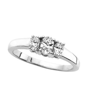 Amazon Curated Collection Engagement Ring