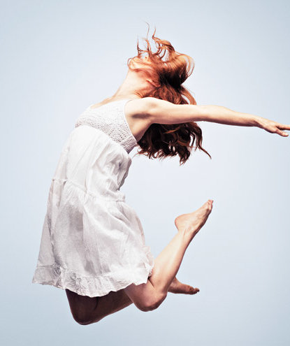woman-jumping-stretching