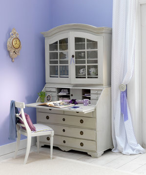 17 surprising home office ideas real simple for Decoration armoire salon