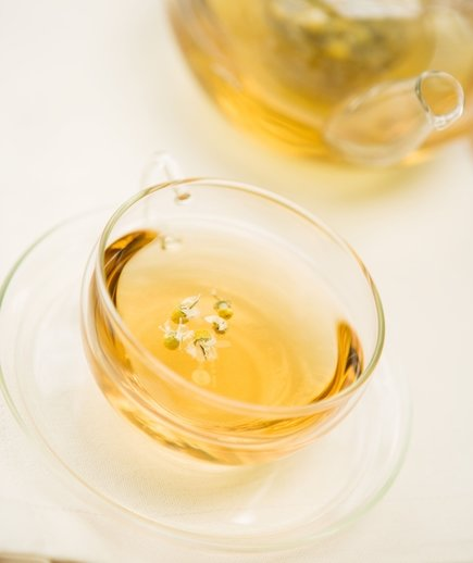 Chamomile - Uses, Interactions, Safety Concers and Doses - DrWeil.com