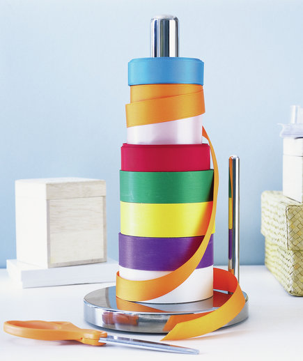 paper-towel-stand-ribbon-organizer