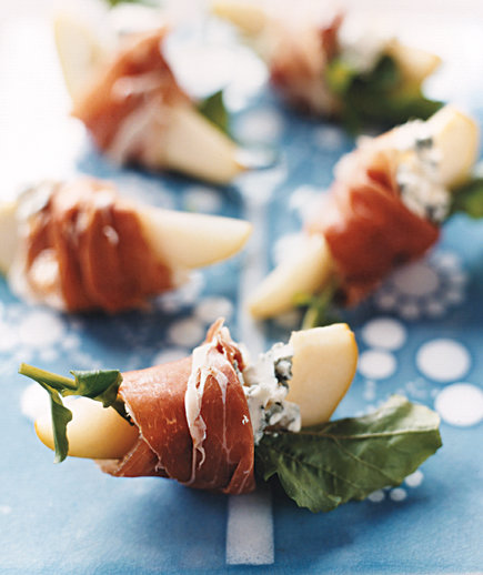 Pears With Blue Cheese and Prosciutto (10 Hacks to Free Up Oven Space for Christmas Dinner)