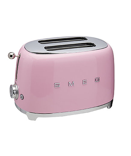Vintage inspired toaster by Smeg