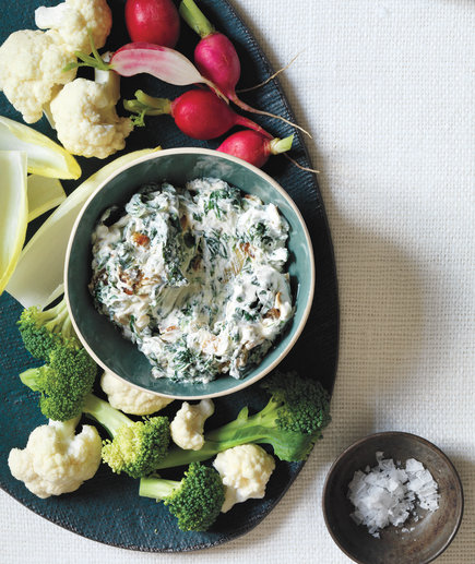 Spinach and Caramelized Onion Dip (10 Hacks to Free Up Oven Space for Christmas Dinner)