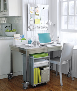 guide-hiding-wires-in-your-home-office
