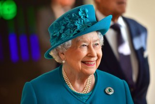 queen-elizabeth-food-garlic