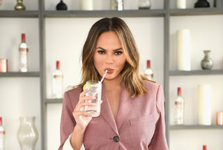 chrissy-teigen-cocktails