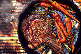 cast-iron-skillet-grilling-tips