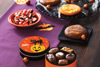 halloween-treats-sees-candies