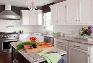how-to-two-toned-cabinets-kitchen