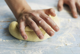 how-to-knead-dough
