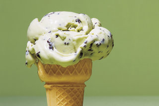 mint-chocolate-chip-ice-cream-cone