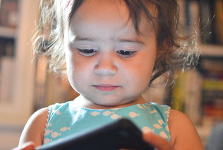 toddler-girl-cell-phone