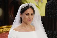 how-to-get-meghan-markles-glowy-bridal-beauty-look