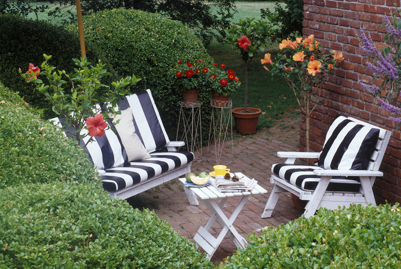 Small Patio Ideas | Real Simple on Basic Patio Ideas id=47079
