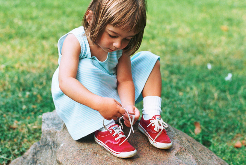 You have to see this 5 year olds hack for tying shoes real simple ccuart Images