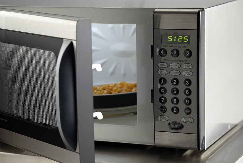 How to Clean A Microwave: Video Guide and Easy Steps
