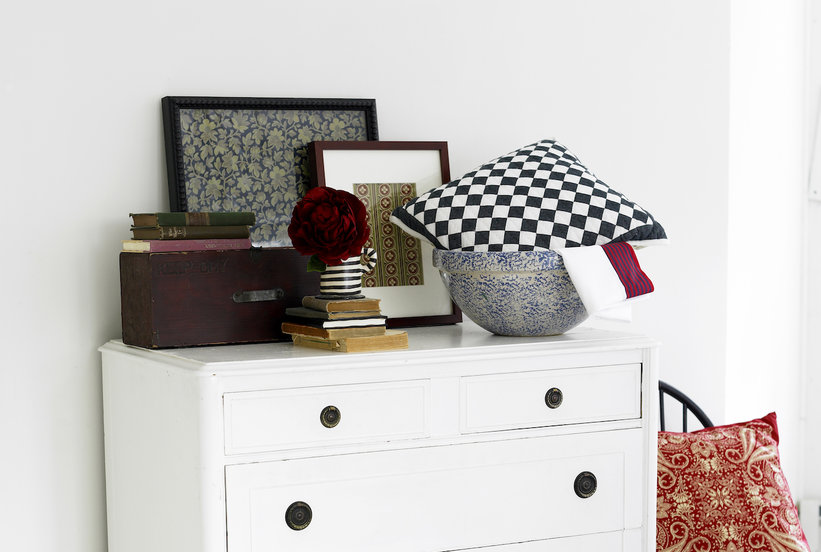 The Internet Can T Decide What Color This Dresser Is Do You See Real Simple
