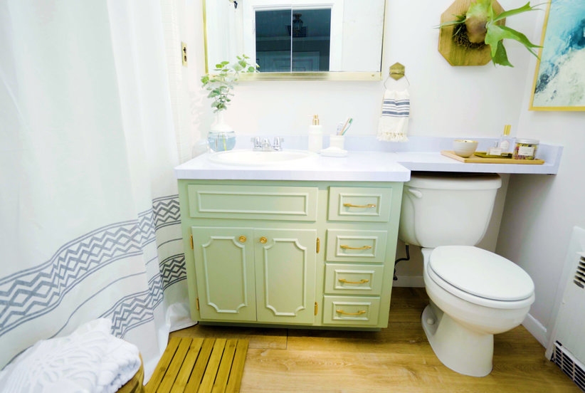 Video: 7 Simple Tricks To Make Your Bathroom Feel Like A Spa | Real Simple