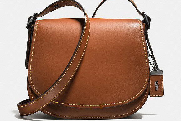 This Sleek Handbag Magically Holds Everything I'll Ever Need