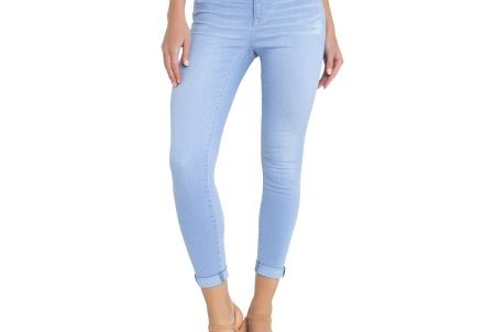 1b268d15fa3b9 You'll Never Believe What These Super Stylish Jeans Are Made of—and They're  Only $17 | Real Simple