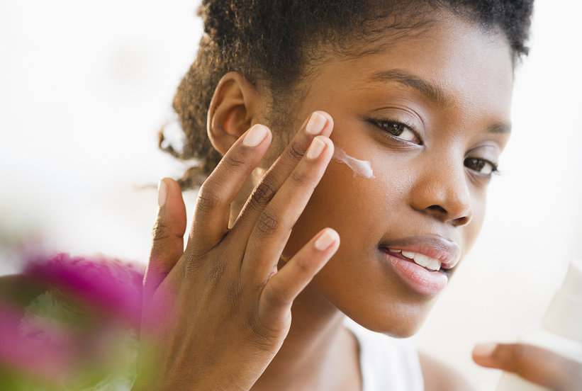 7 Incredibly Simple Beauty Treatments You Can Do Anywhere—Even in Public