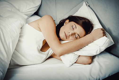 5 Ways to Make Your Bed Cozier (For Those Who Plan to Hibernate Until Spring)