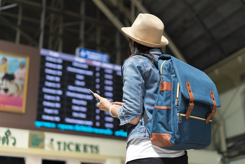 This Is Exactly When You Should Book Your Holiday Travel to Avoid Sky-High Prices