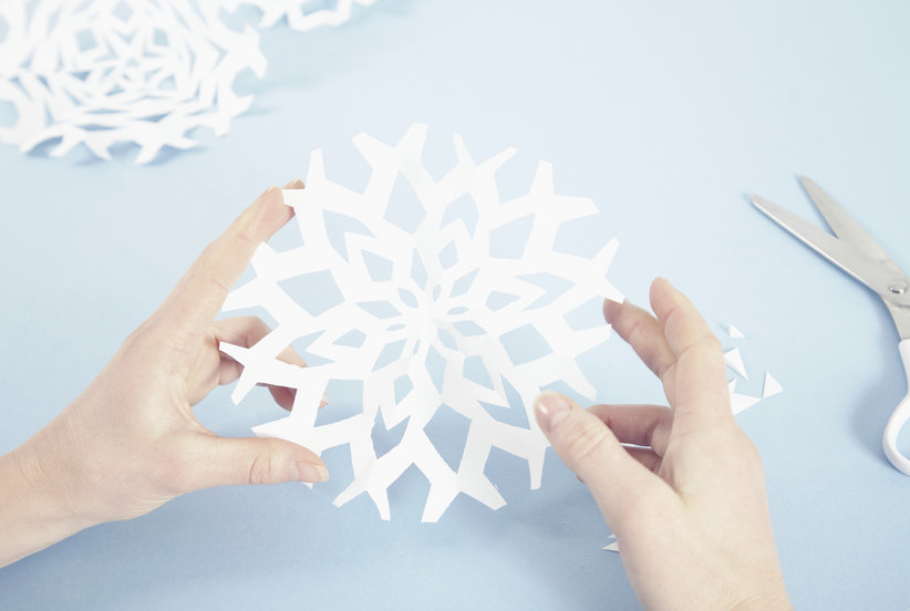 How to Make Paper Snowflakes the Easy Way