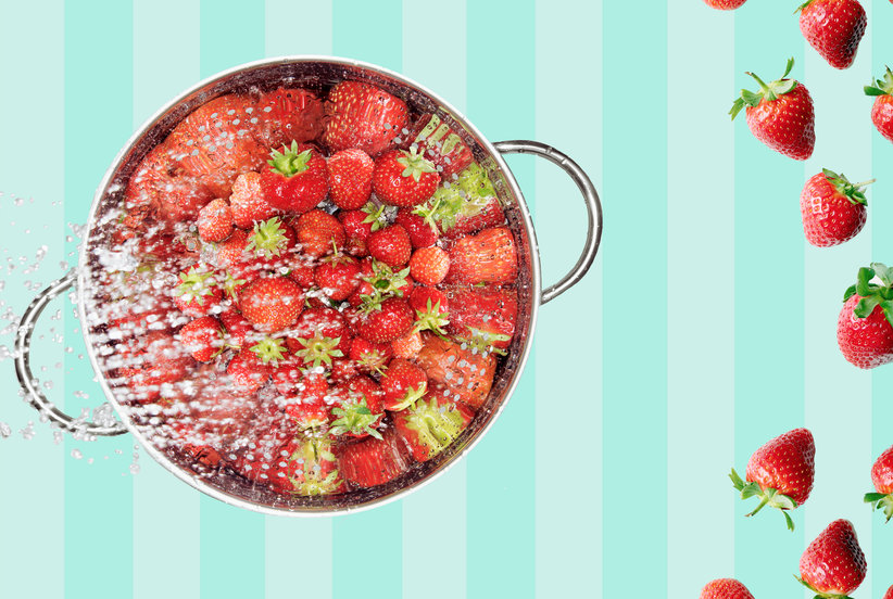This is The Most Effective Way To Wash Your Fresh SummerStrawberries