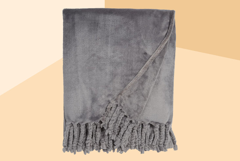 Over 1,200 Nordstrom Shoppers Are Obsessed With This Super Soft Throw Blanket