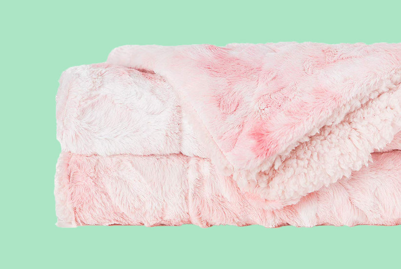 This $30 Throw Is 'the Coziest Blanket Ever,' According to Thousands of Amazon Shoppers